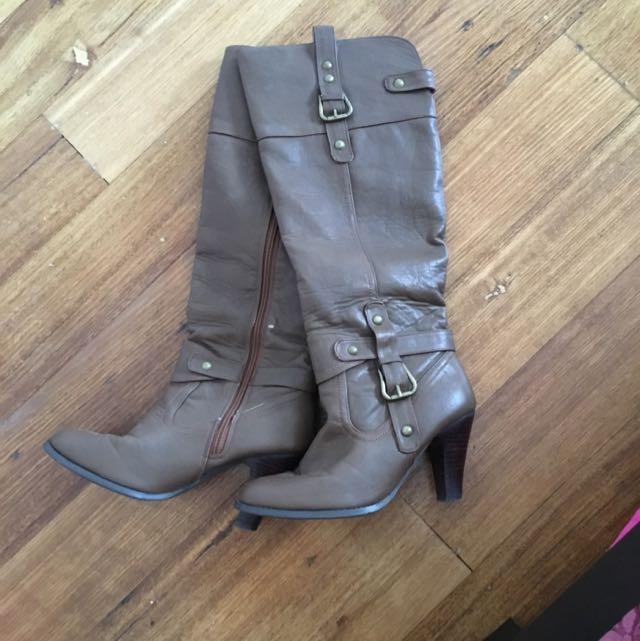 Novo Boots Brown