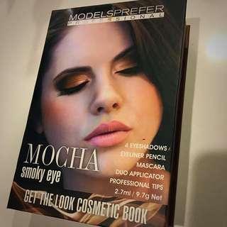 Models Prefer Smokey Eyeshadow Kit