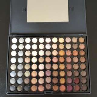88 Colours Eyeshadow Palette