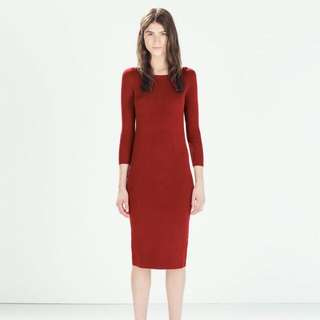 氣質露肩韓式針織紅色長版連衣裙連身裙一字領 坑條 羅紋 螺紋 合身 顯瘦秋裝  同款