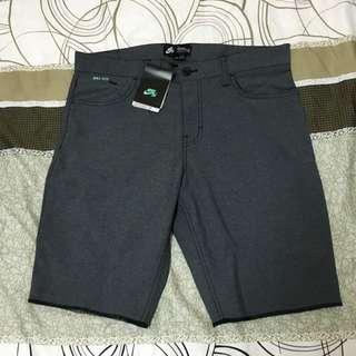 Nike SB 短褲