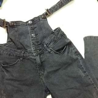 鐵灰色吊帶長褲