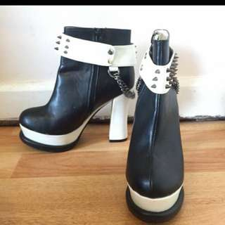 Black And White/spike Block Shoes