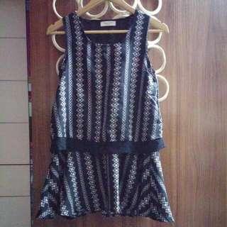 黑色間條花紋連身裙