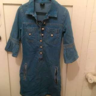 Lily Brand Fitted Denim Dress. Size 8.