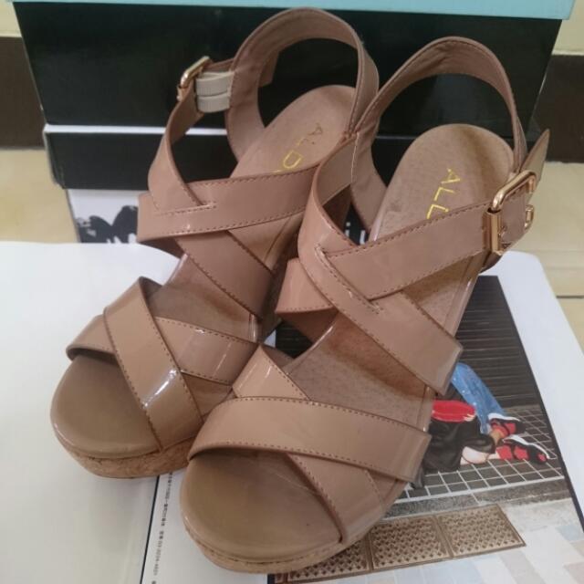 ALDO  奶茶色楔形涼鞋