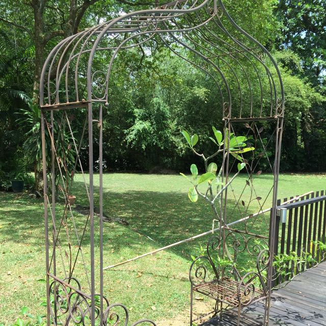 Cast Iron Garden Trellis With Two Seats