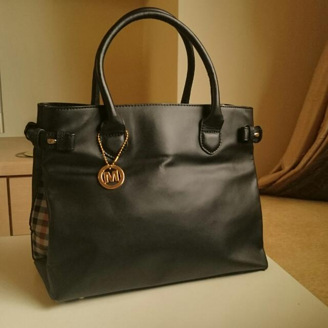 MeMo's saccs 黑色質感皮革方包 #OL #面試 #禮物