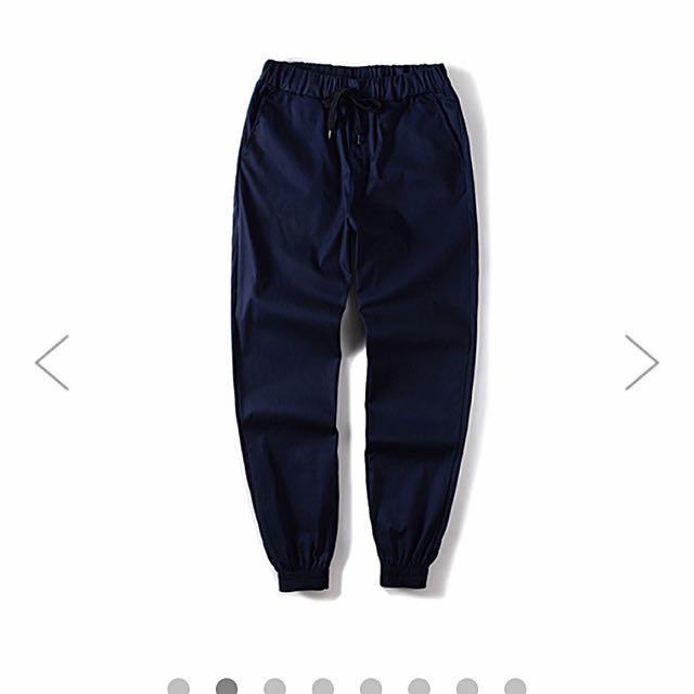 《全新》OneBoy潮流素面彈力縮口褲