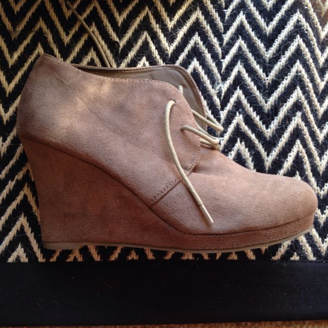 Sz 9 Suede Look Ankle Boots