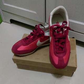 含運 Nike 復古運動鞋 桃紅色