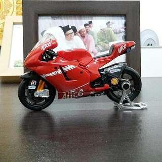 Maisto Ducati Corse Bike Diecast