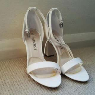 FORCAST HIGH HEELS SIZE 7 Pending