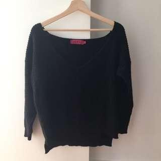 Boohoo Black V Neck Oversized Knit Size: S/M