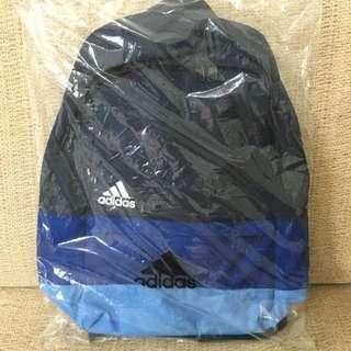 Adidas 背包 全新 隨便賣