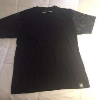 Carre Leather Sleeve Tshirt