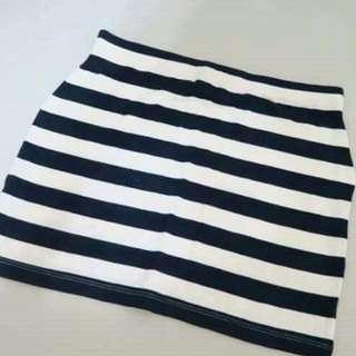 Asos棉質黑白短裙。專賣自黃小米