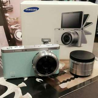 Ssmsung NX  Mini9mm定焦鏡翻轉機可用wife
