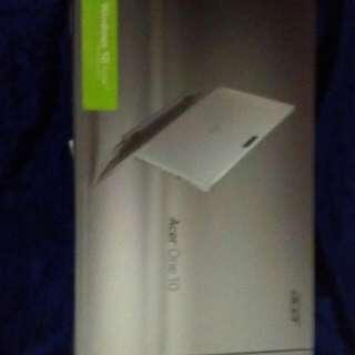 全新僅開箱測試 Acer One 変型 10平板