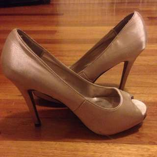 Champagne Coloured Heels Size 10