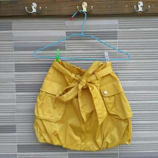 IROO 黃色燈籠短裙全新品 (編號48)