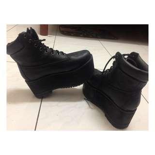 皮質厚底靴