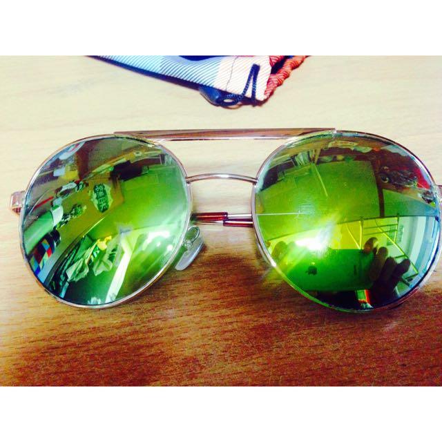 綠色反光墨鏡