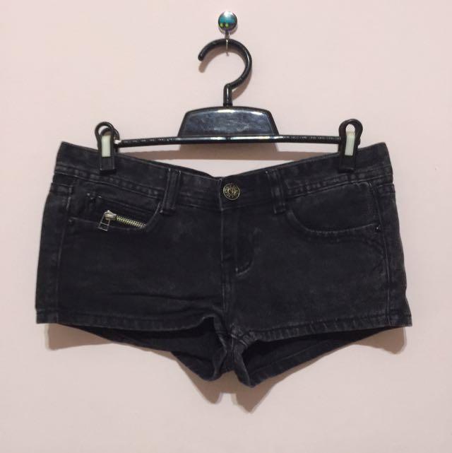 牛仔黑短褲