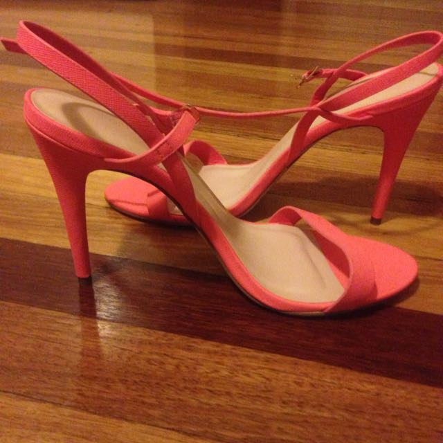 Forever New Coral Heels Size 41/ 9-10