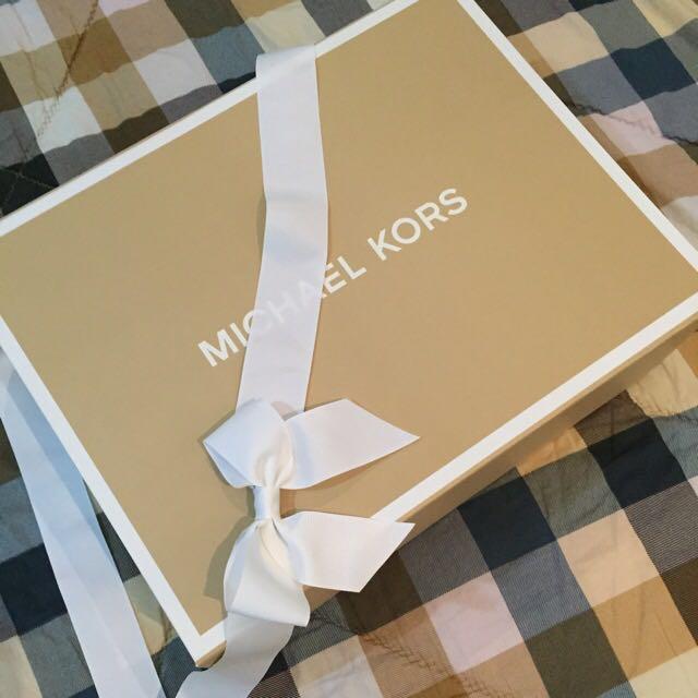 MICHAEL KORS Authentic Gift Box MICHAEL KORS Authentic Gift Box ... & MICHAEL KORS Authentic Gift Box Luxury on Carousell Aboutintivar.Com