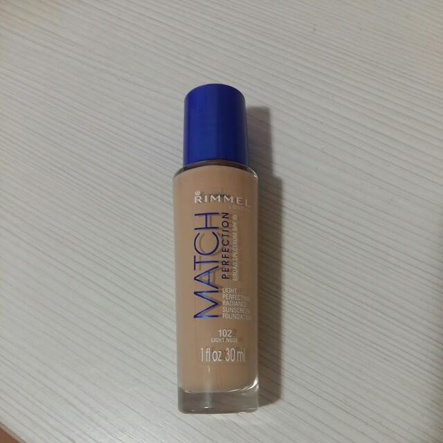 Rimmel match藍蓋粉底液