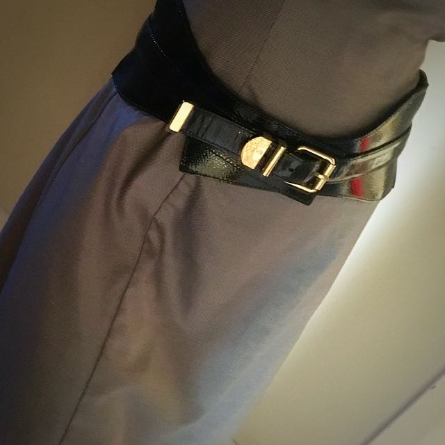 Versace Collection Mid Waist Belt. Size Medium.