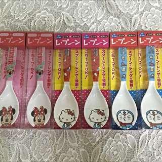 日本迪士尼米妮、Hello kitty、哆啦a夢湯匙