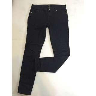 Forever21✨灰黑色直筒牛仔褲