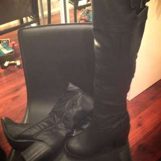 Spurr High Knee Boots (Size 5)