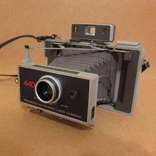♞ Polaroid 440