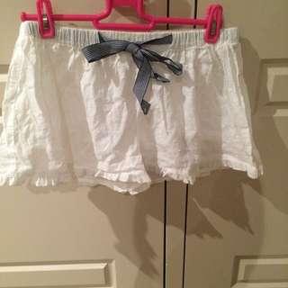 Cotton On - White PJ shorts