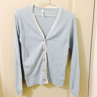 淺藍針織外套 木釦
