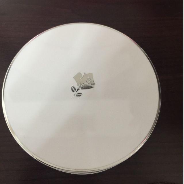 蘭蔻氣墊粉餅,使用過一次,附上韓國全新氣墊粉撲