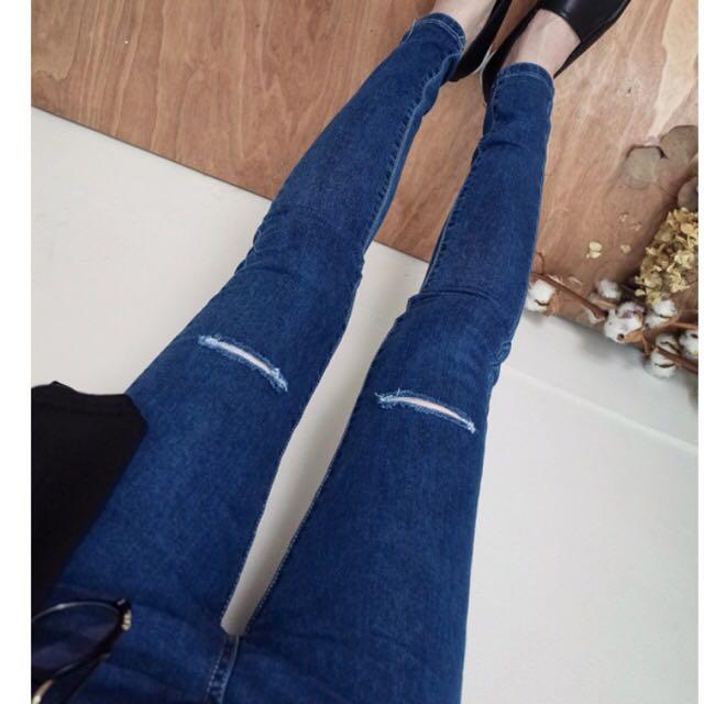 超顯瘦✨破膝窄版牛仔長褲