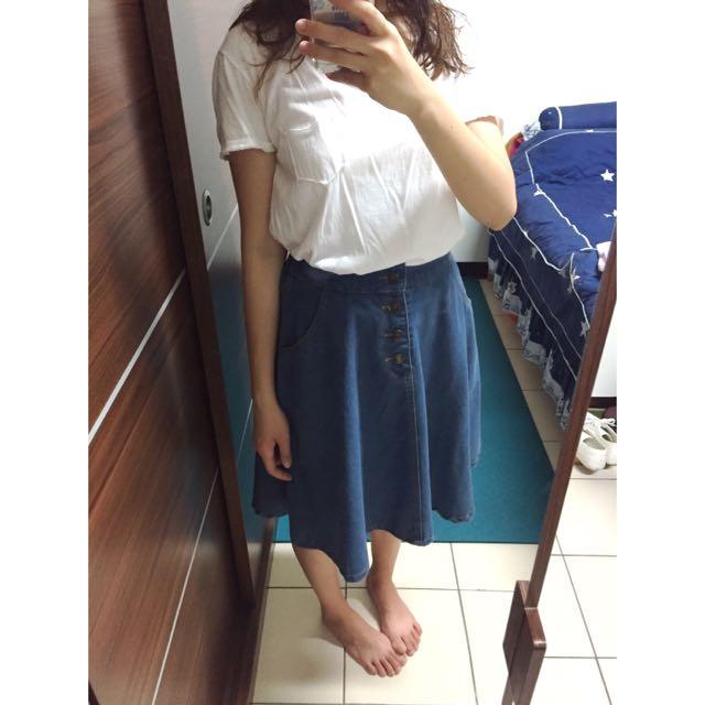排釦及膝牛仔傘裙