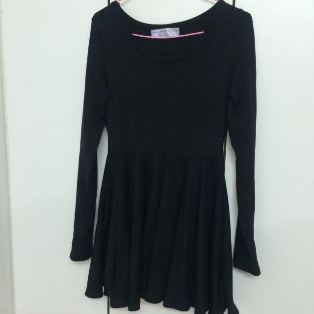 含運 黑色洋裝