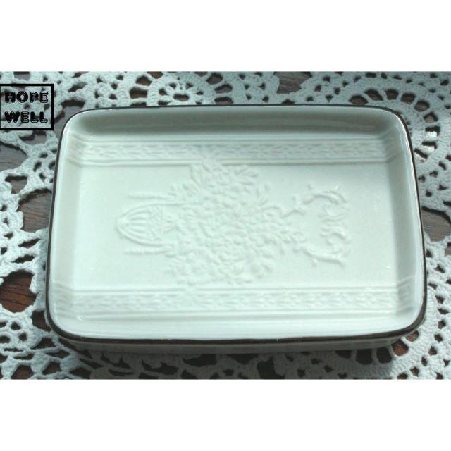 歐美鄉村風 白色陶瓷雕花肥皂盒,香皂盒。紐西蘭帶回