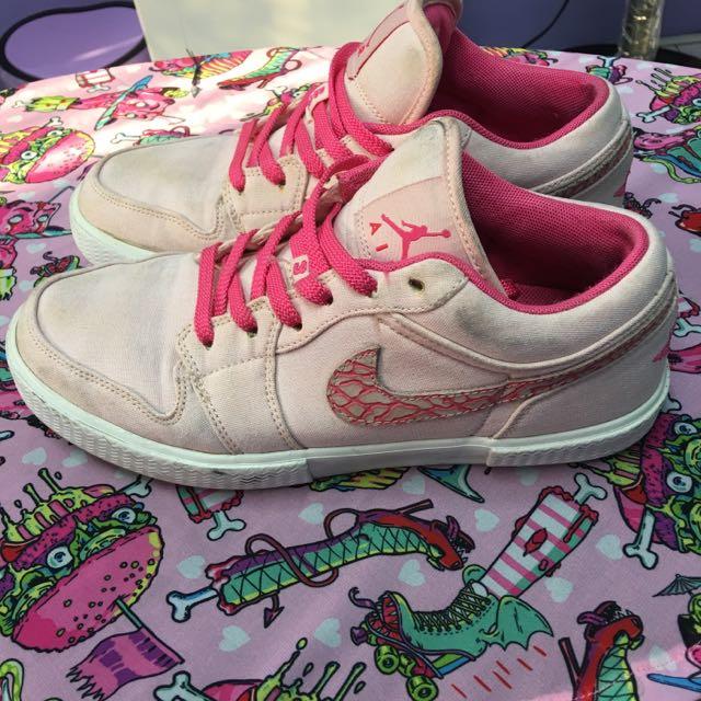 粉紅Air Jordan(不知道鞋型名稱了)保證正品
