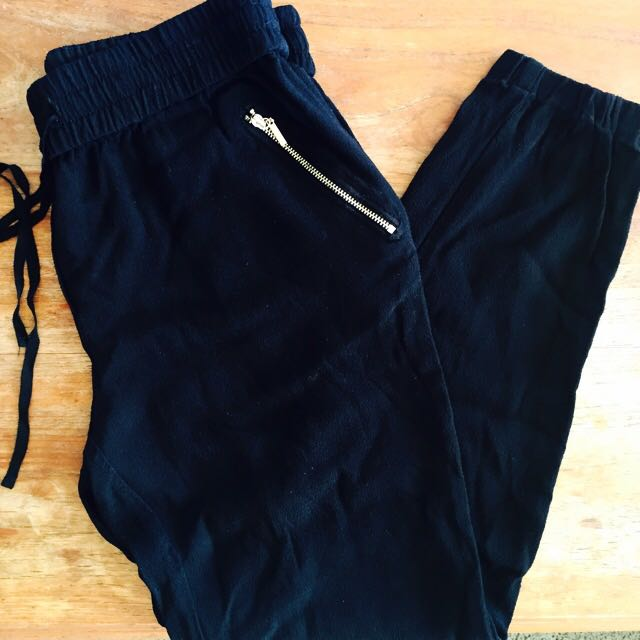 FOREVER NEW Pants / Size 8