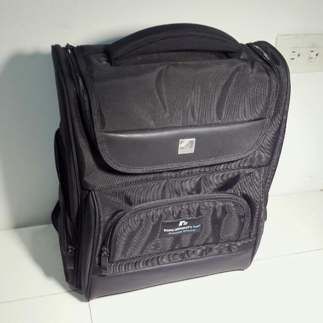 HP 後背包/筆電可放/新品未使用/降價