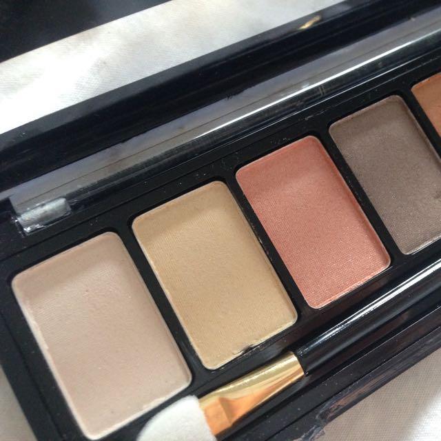 Nudes Eyeshadows Pallet