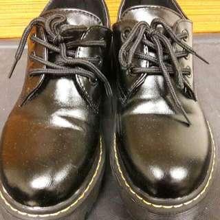 仿馬丁 厚底鞋 37號