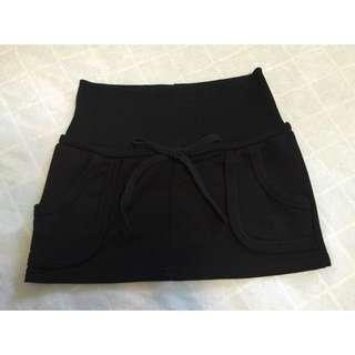 黑色口袋休閒短裙
