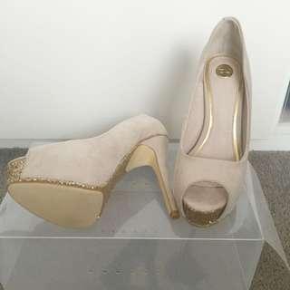 ZU Beige Shoes New